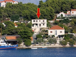 Three bedroom apartment Sumartin, Brač (A-5771-a)