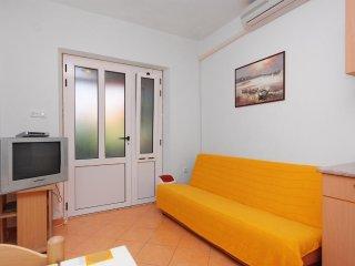 One bedroom apartment Jelsa, Hvar (A-5698-b)