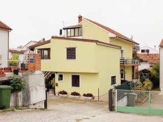 Two bedroom apartment Zadar - Diklo, Zadar (A-5879-b)