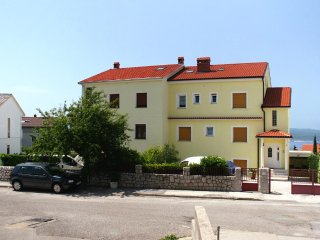 Three bedroom apartment Crikvenica (A-5487-b)