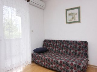 Two bedroom apartment Krk (A-5364-a)