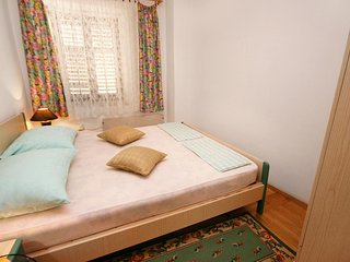 Selce Apartment Sleeps 4 with Air Con - 5461851