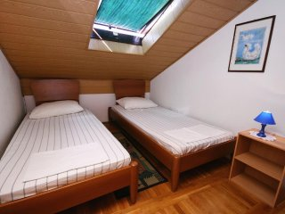 Selce Apartment Sleeps 4 with Air Con - 5461853