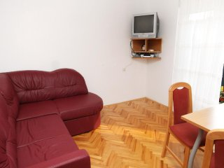 One bedroom apartment Sutivan, Brac (A-5629-b)