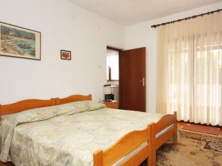 One bedroom apartment Supetar, Brač (A-5667-b)