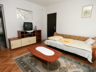 One bedroom apartment Novi Vinodolski (A-5514-b)
