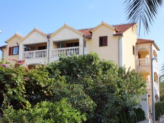 Two bedroom apartment Supetar, Brac (A-5663-a)