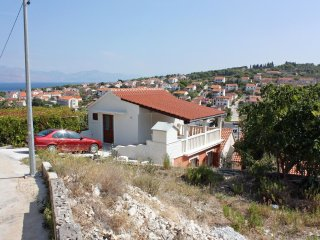 Two bedroom apartment Sutivan, Brač (A-5654-a)
