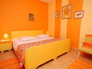 Two bedroom apartment Ivan Dolac, Hvar (A-5709-a)