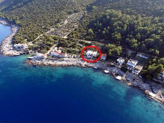 Three bedroom apartment Cove Virak bay - Virak (Hvar) (A-6969-a)