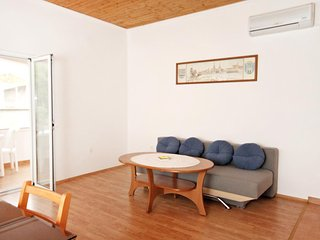 Two bedroom apartment Vrsi - Mulo, Zadar (A-5796-d)