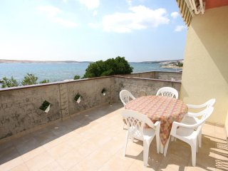 Kustici Apartment Sleeps 5 with Air Con and WiFi - 5462238
