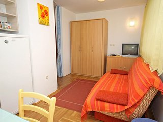 One bedroom apartment Petrčane, Zadar (A-3280-b)