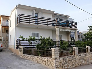 Two bedroom apartment Seget Vranjica, Trogir (A-6094-a)