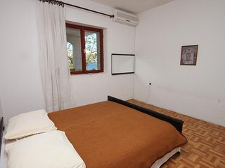 Two bedroom apartment Metajna, Pag (A-6352-d)