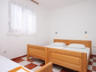 One bedroom apartment Starigrad, Paklenica (A-6618-b)