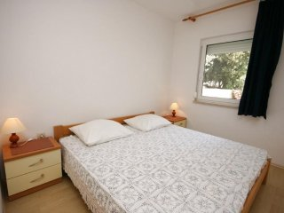 Two bedroom apartment Mandre, Pag (A-6310-b)