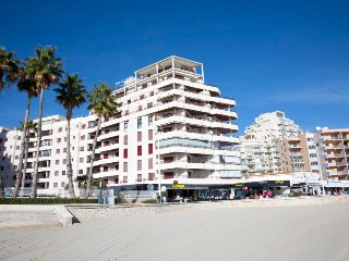 2 bedroom Apartment with Pool, Air Con and Walk to Beach & Shops - 5491096