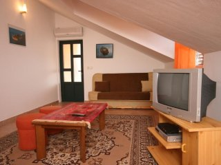 Two bedroom apartment Vodice (A-6444-a)