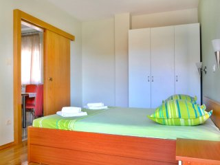 One bedroom apartment Makarska (A-6720-b)