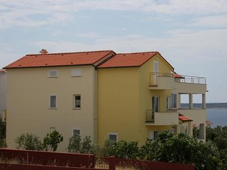 Two bedroom apartment Mandre, Pag (A-6415-a)