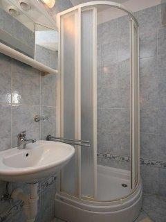 Bathroom 1, Surface: 3 m²