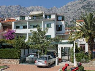 One bedroom apartment Makarska (A-6632-a)