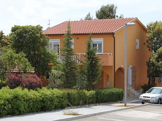 One bedroom apartment Petrčane (Zadar) (A-3300-b)