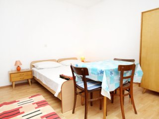 Studio flat Tucepi, Makarska (AS-6695-c)
