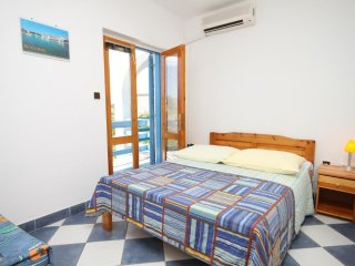 Studio flat Sucuraj, Hvar (AS-6852-c)