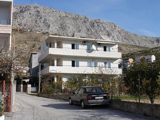 Studio flat Dugi Rat, Omiš (AS-7481-a)