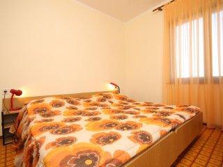 Two bedroom apartment Povljana, Pag (A-6298-b)