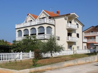 Two bedroom apartment Novigrad (A-7037-a)