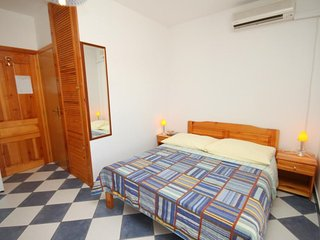 Studio flat Sucuraj, Hvar (AS-6852-d)
