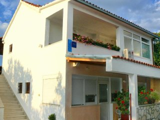 One bedroom apartment Supetar (Brač) (A-7631-b)
