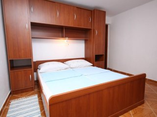 One bedroom apartment Metajna, Pag (A-6337-e)