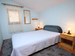 Two bedroom apartment Bilo, Primosten (A-6478-b)