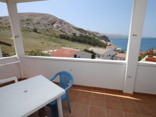 Kolan Apartment Sleeps 4 - 5465744