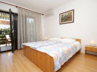 Two bedroom apartment Valbandon, Fažana (A-7239-b)