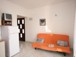 Two bedroom apartment Zubovići, Pag (A-6387-c)