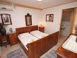 One bedroom apartment Novi Vinodolski (A-7449-b)
