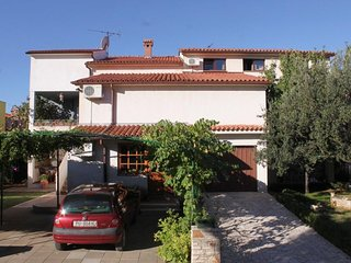 Two bedroom apartment Fazana (A-7153-a)