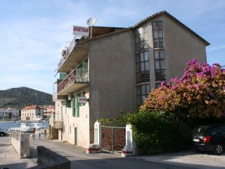 Three bedroom apartment Seget Vranjica (Trogir) (A-6597-b)