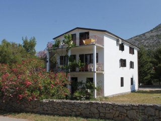 Four bedroom apartment Starigrad (Paklenica) (A-6647-a)
