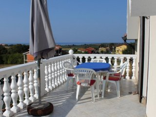 Filipac Apartment Sleeps 5 with Air Con and WiFi - 5466865