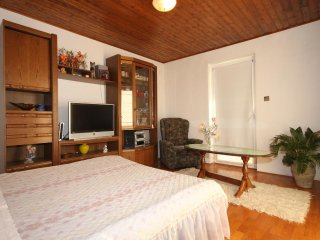 Two bedroom apartment Orij, Omiš (A-7534-a)