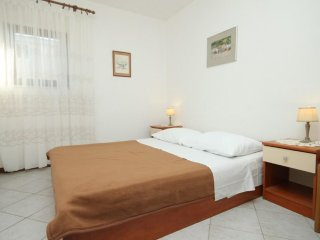 Two bedroom apartment Banjole, Pula (A-7487-c)