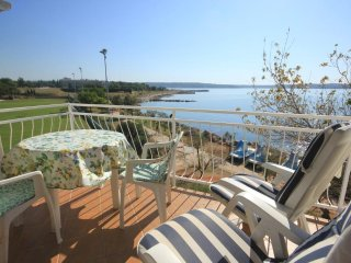 Novigrad Apartment Sleeps 4 with Air Con and WiFi - 5466943
