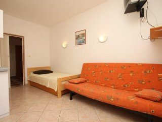 Studio flat Duće, Omiš (AS-7532-c)