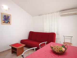 Two bedroom apartment Novigrad (A-6936-b)